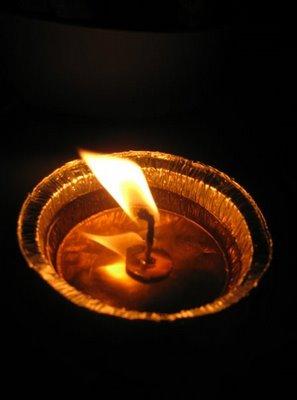 Nur(satu cahaya) dan zulumat (kegelapan yang banyak)